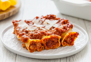 Cannelloni à la viande et à la sauce tomate