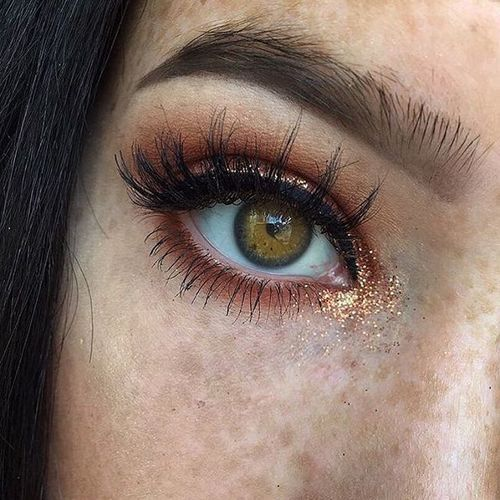 Yeux marron clairs : sublimez vos iris